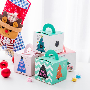 Wholesale Square Christmas Paper Folding Gift Box with Handle for Dessert