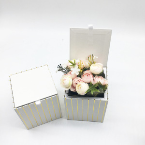 Gold Foil Red Small Square Kraft Paper Gift Box for Wedding Flowers
