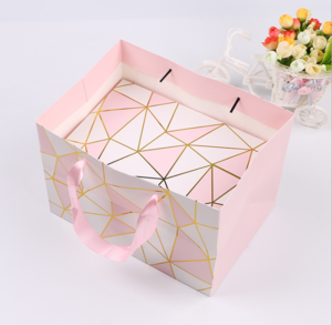 Elegant Foil Stamping White Pink Coated Rigid Glitter Custom Printed Embossed Shopping Embossing Gold Logo Paper Bag