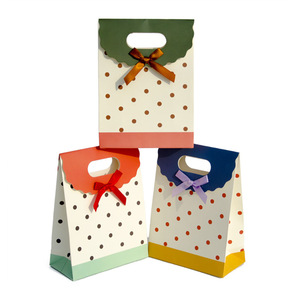 Dekun Printing Hot Sale Cute Pattern Christmas Paper Gift Storage Bag