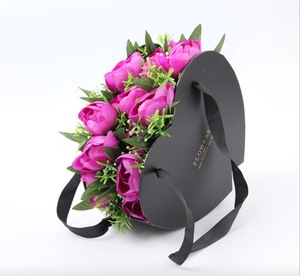 Rose Bouquet Kraft Paper Packaging Gift Box High End Heart Design Deluxe Roses Cardboard Box