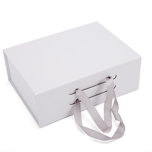 Wholesale Custom Logo Rectangle Paper Boxes Shoes Packaging For Shoes With Handle
