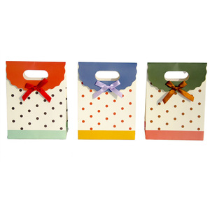 Cute Pattern Christmas Paper Carrier Gift Storage Bag