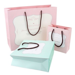 Manufacturers custom batch directsell size gift bag hand carry shopping paper bags